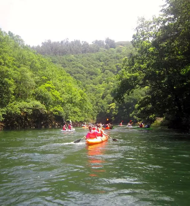 Piragüismo en el río Mandeo