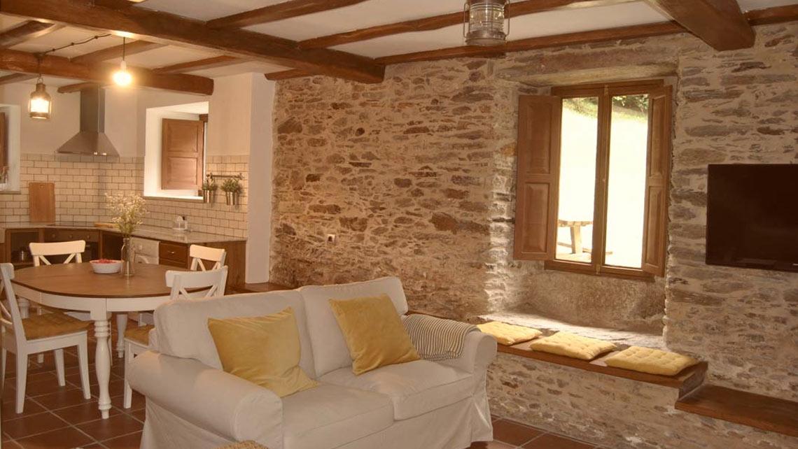 Casa rural restaurada en Paderne, Muiños do Mainzoso